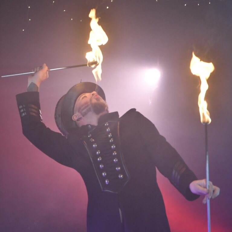 Norwich-Fire-Eating-Classes-with-Shade-Flamewater-scaled
